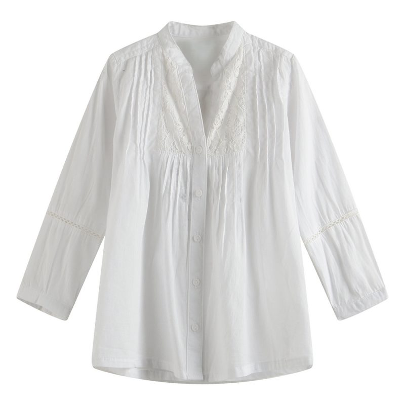 Blouse with V-neck design